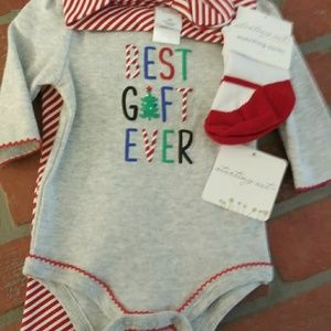Newborn Starting Out 4 piece Girl's Holiday Outfit